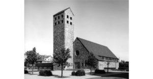 thumbnail of Foto Kirche mit Turm